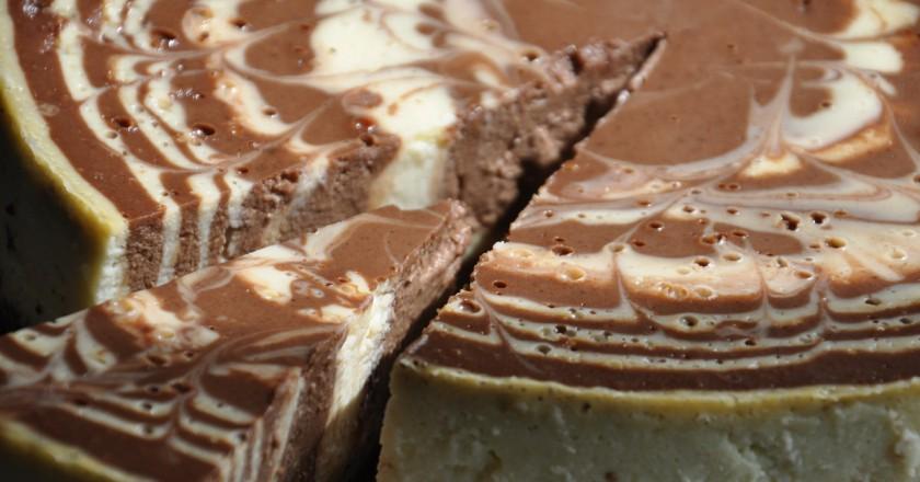 """Результат пошуку зображень за запитом """"Этот рецепт — находка для сладкоежек! Шоколадно-творожный торт без выпечки"""""""